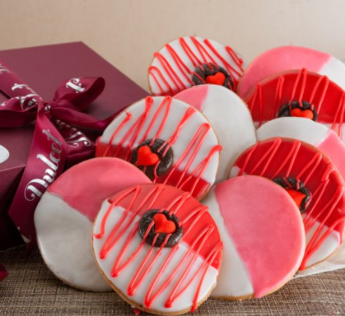 Valentines-Day-Gift-basket-Red-Heart-and-Pink-Whites-Cookies-with-a-prime-Box
