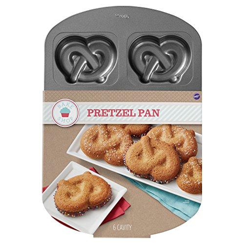 (Wilton Pretzel Pan Baking Mold: Bakes 6 Pretzels, Cakes or Cookies at a Time)