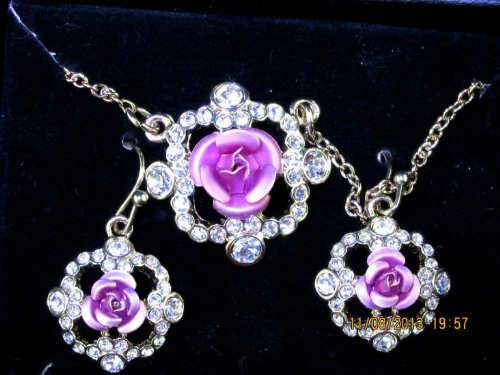 (Avon Sparkling Roses Collection - Necklace, Earrings, & Bracelet Gift Set (Bracelet Not)