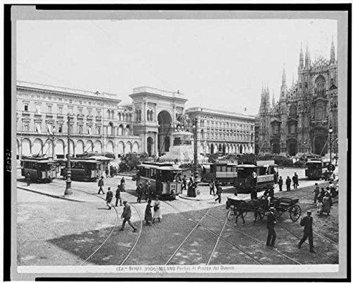 HistoricalFindings Photo: Milano Portici di Piazza del Duomo,Plaza,Trolleys,Pedestrians,Milan,Italy,c1900 ()