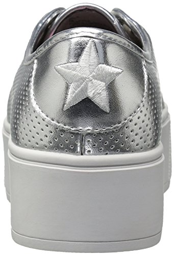 Betsey Johnson Womens Spur Fashion Sneaker Argento