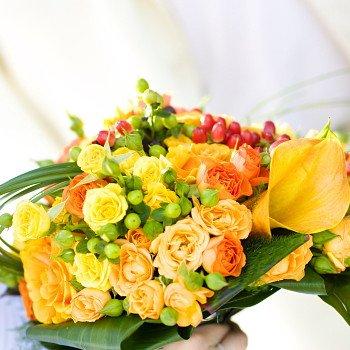 クリスマス・誕生日に オレンジ系バラの花束