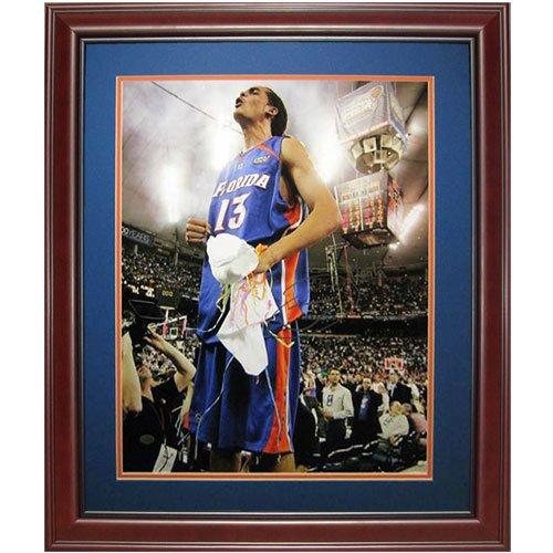 06 Final Four (Joakim Noah Autographed Florida Gators (06 Final Four on Table) Deluxe Framed 16x20 Photo)