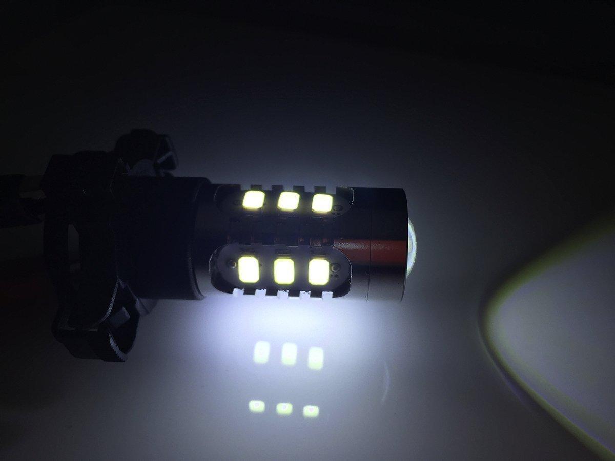 Xotic Tech 2x 6000K White Error Free LED SMD 30W PY24W 5200s Front Turn Signal Light for BMW E90 E92 E93 328i 335i M3