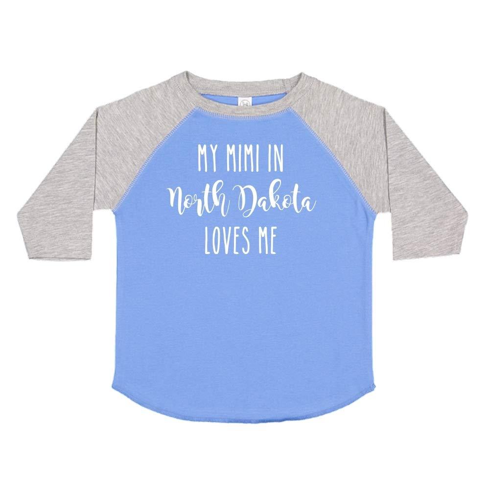 My Mimi in North Dakota Loves Me Toddler//Kids Raglan T-Shirt