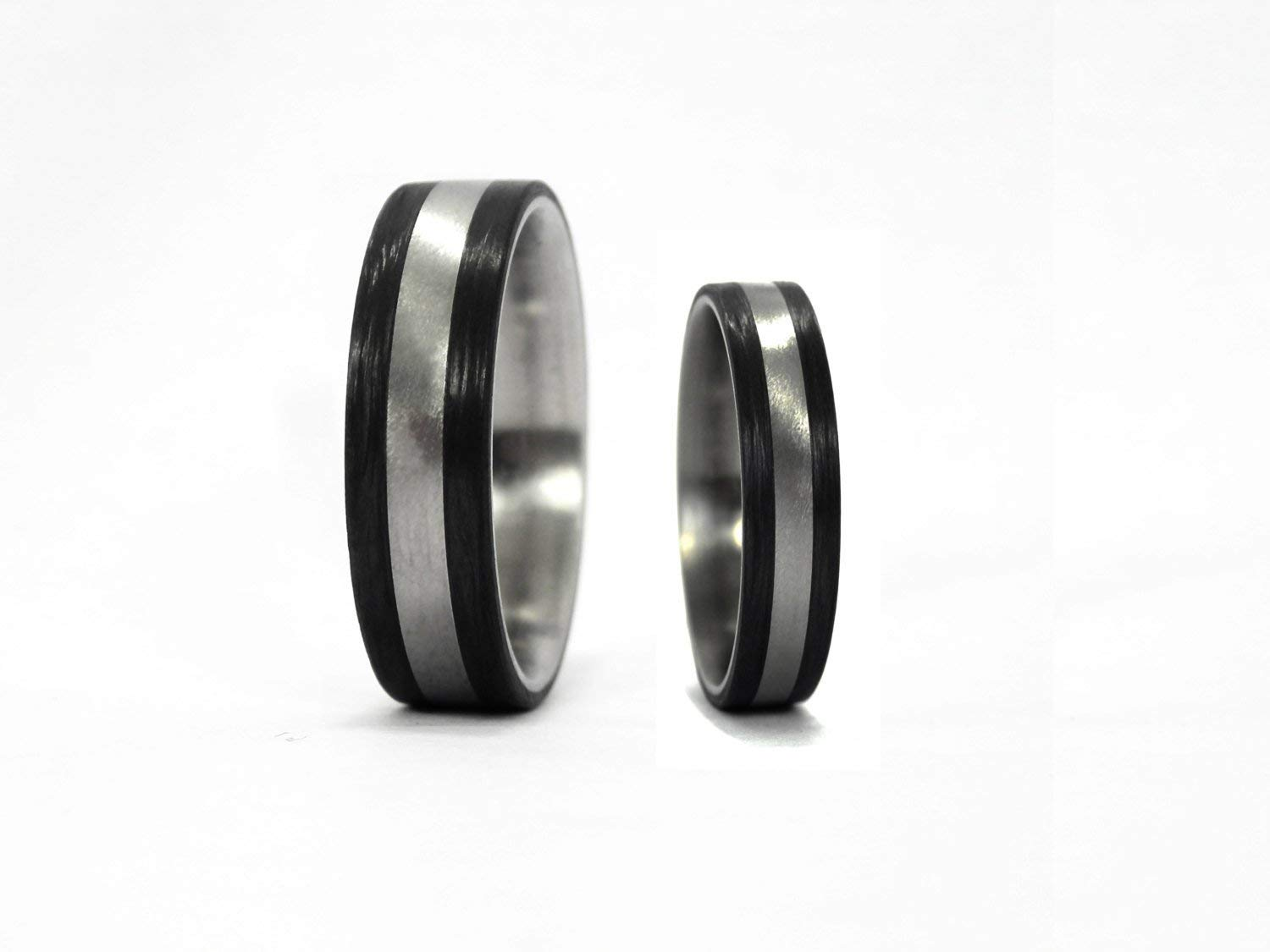 Set of two titanium and carbon fiber wedding bands 00305/_4S1/_4N Modern and round black rings Water resistant and hypoallergenic.