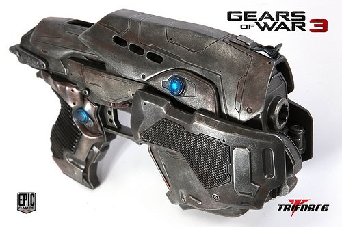 Gears of War 3: COG Snub Pistol Replica – Currently unavailable