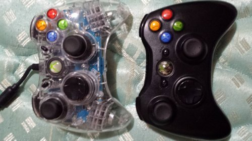(Xbox 360 Wireless Controller Installed on an XCM Blue Blood Wireless Controller Shell)