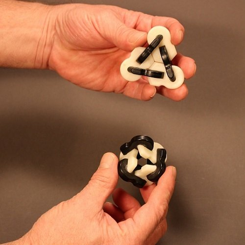 FiddlLINK Zebra (Single Pack) - Fiddle Link Based Fidget Tool. Desk and Office Toys for Stress and Anxiety Relief, Hand Exercise, Finger Strength, and Dexterity. Fidget Cube and Spinner Alternative.