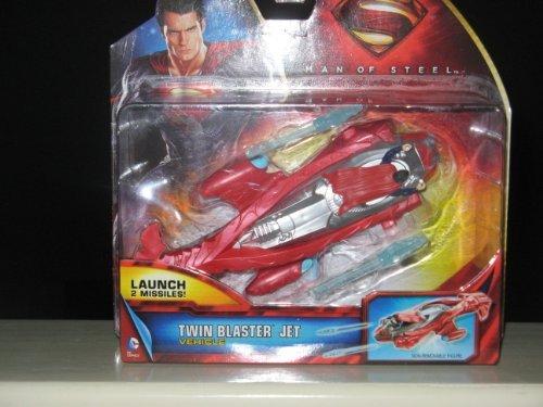 Superman: Man of Steel Vehicle With Figure - Twin Blaster Jet
