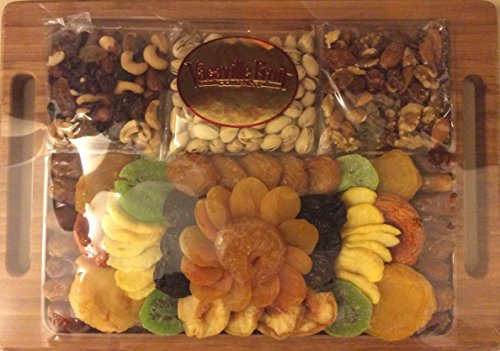 Vacaville Dried Fruit and Nut Gift Bamboo Serving Tray 30oz net wt