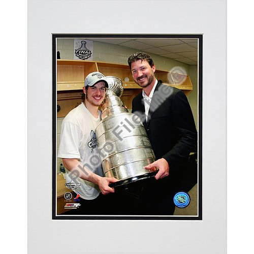 Photo File Pittsburgh Penguins Sidney Crosby and Mario Lemieux with Stanley Cup 8x10 Matted Photo