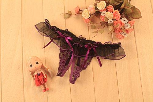Mme sous-vêtements; jolie femme tentation sous-vêtements; ouvrir document impression de transparence dentelle string noir, gravure