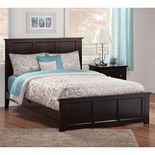 Atlantic Furniture Queen Platform Bed with Matching Footboar
