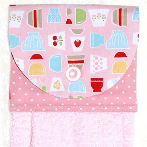 Kitchen Print Hanging Hand Towel - Retro Dot and Tulip Dishes With Pink Plush Towel ()