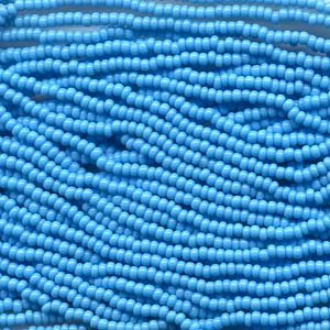 (Czech Rocailles Seed Bead 6/0 (1/2 Hank Pack) BLUE TURQUOISE)