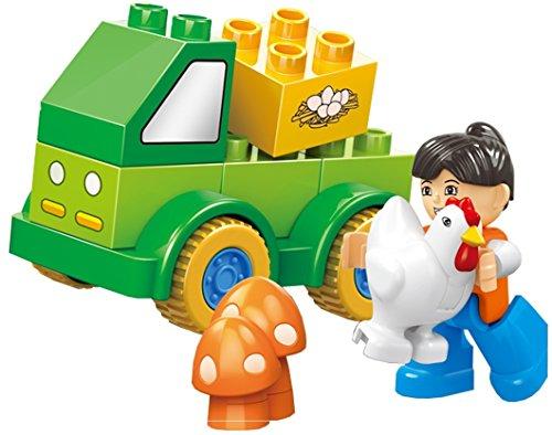 Fun Happy Fleet   11 Pcs Small Building Blocks Farm 4X4 Truck Set With Animals  Mushroom Plants  And Friendly Action Figure