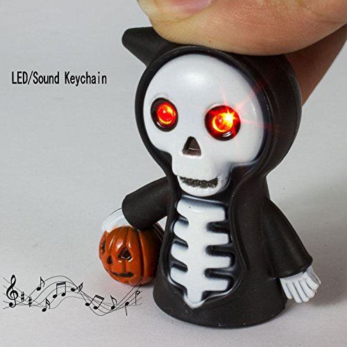 MAZIMARK--Skull LED Light Torch Scary Sound Keyring Toy Halloween Party Favor Supply -