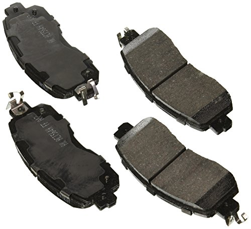 Akebono ACT1650 Ultra premium Brake pad Set ()