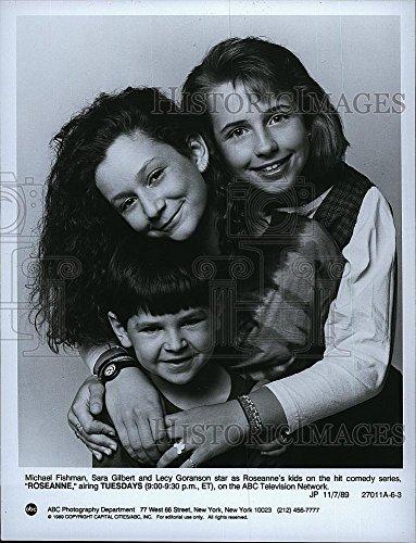 "1989 Press Photo M. Fishman, Sara Gilbert, Lecy Goranson ""Roseanne"" - Historic Images"