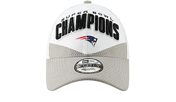 90f233c8fca Amazon.com   New Era New England Patriots White Gray Super Bowl LIII  Champions Trophy Collection Locker Room 9FORTY Adjustable Hat   Sports    Outdoors