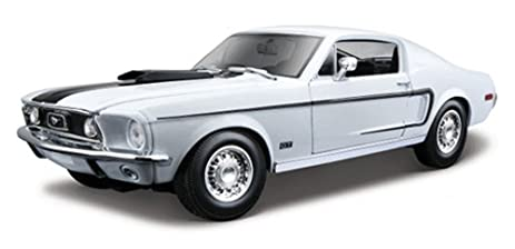Ford Mustang Gt Cobra White Maisto  Scalecast