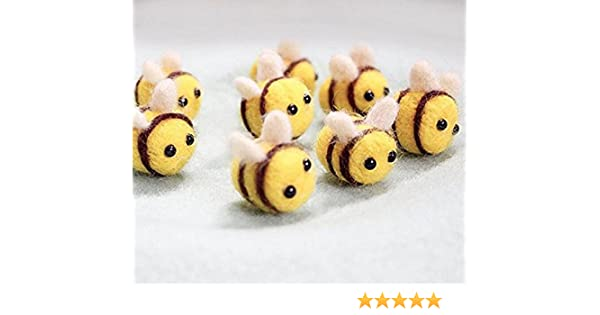 Smiley Bee Wooden Buttons sold in packs of 3 to 100