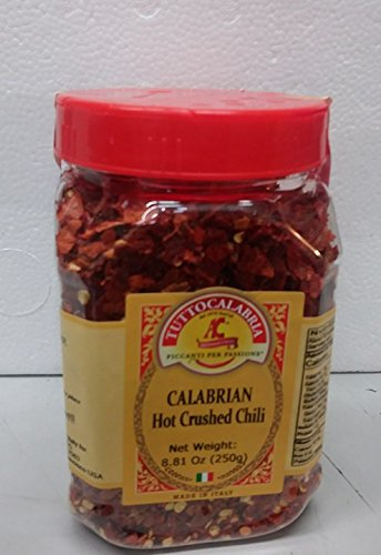 Tutto Calabria Hot Crushed Calabrian Chili Peppers 250 Grams (8.81 oz) Shaker Jar
