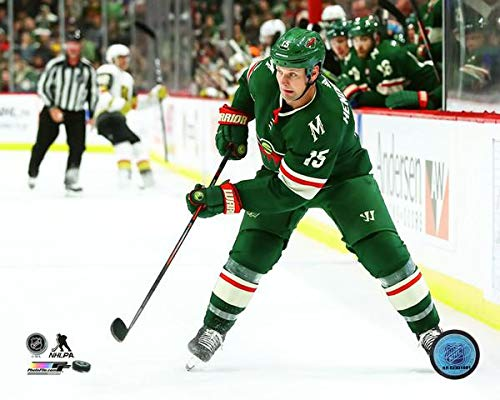 Matt Hendricks Minnesota Wild 2018-2019 NHL Action Photo (Size: 8