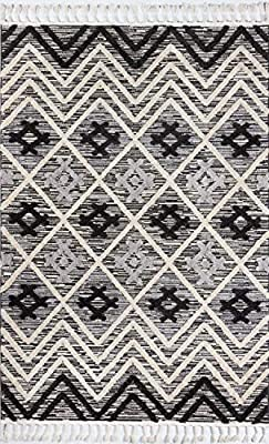 Amazon Com Momeni Odessa Geometric Black Area Rug 7 10 X 10 10 Ode 2 Furniture Decor