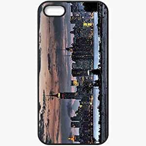 Unique Design Fashion Protective Back Cover For iPhone 5 5S Case New York Skyscrapers Building Black