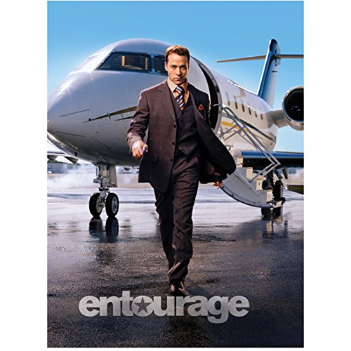Entourage Jeremy Priven as Ari Gold Walking From Plane 8 x 10 Inch Photo