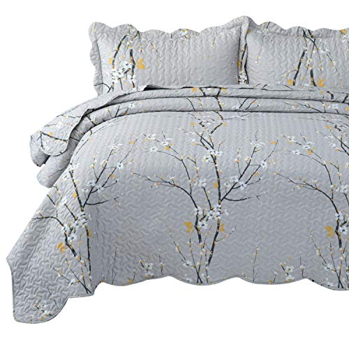 Bedsure Quilt Set Grey King Size Plum Blossom (106x96 inches) Bedspread, Lightweight Coverlet Quilt for Spring and Summer, 1 Quilt and 2 Pillow Shams