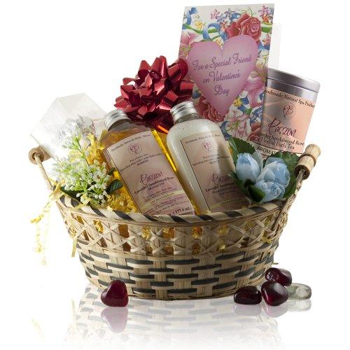 Castle Baths Natural Spa Bath Love Gift Basket Scented with Lavender, Sandalwood and Rose