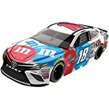Lionel Racing Kyle Busch #18 M&M's Red White and Blue 2017 Toyota Camry 1:64 Diecast Car
