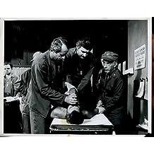 "Wayne Rogers Alan Alda Mclean Stevenson MASH Original 8x10"" Photo #Z107"