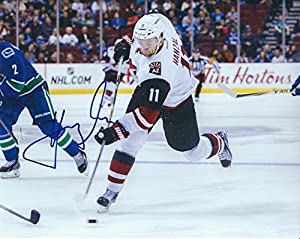 Autographed Martin Hanzal 8x10 Arizona Coyotes Photo