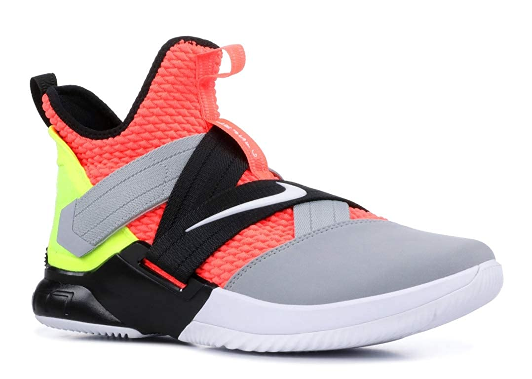 buy online 41ecb e99fa Nike Men's Lebron Soldier 10 SFG Basketball Shoes