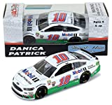 Lionel Racing Danica Patrick 2017 Mobil 1 NASCAR Diecast 1:64 Scale
