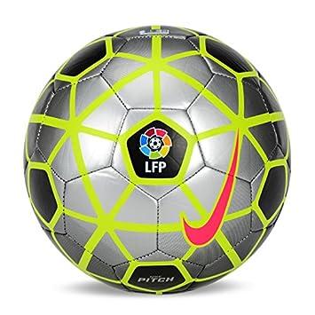 c21409b159e7a Nike Pitch 2015 - 16 LFP Liga BBVA Strike - Balón de fútbol balón de fútbol  sc2726 - 010 - Tamaño 5  Amazon.es  Deportes y aire libre