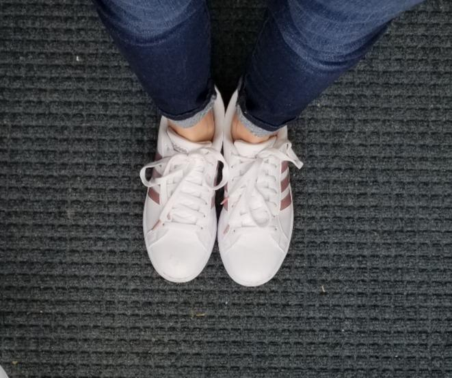 adidas Women's Cloudfoam Advantage Cl Sneaker Love these!