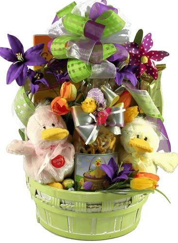 Gift Basket Village Just Ducky Easter Gift Basket with Quacking Ducks ()