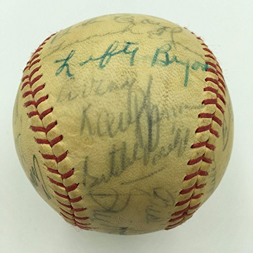 Satchel Paige 1969 Kansas City Royals Team Signed Autographed Baseball - Autographed Baseballs Autographed 1969 Team Mlb Baseball
