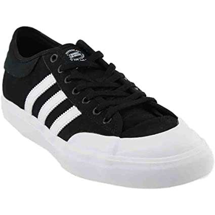 purchase cheap bc0dd 8669f Amazon.com  adidas Matchcourt Adv Black White Skate Casual (B39576)  Shoes
