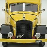 Alfa Romeo 500 Transporter 1936 Scuderia Ferrari Yellow 1/43 Scale Die-Cast Model