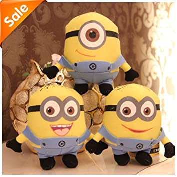 Amazon.com: Despicable Me Minion Peluche Color Amarillo ...