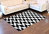 Modern Black and Cream Area Rug Design 261 (5 Feet 2 Inch X 7 Feet 3 Inch) For Sale