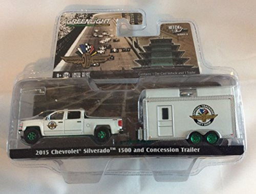 Greenlight 1:64 Hitch & Tow Series 6 2015 Chevy Silverado Indy Motor Gift Shop