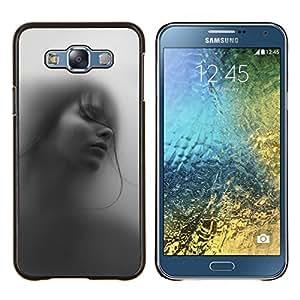 Stuss Case / Funda Carcasa protectora - Chica Mujer profundo Hermoso Negro Blanco - Samsung Galaxy E7 E700