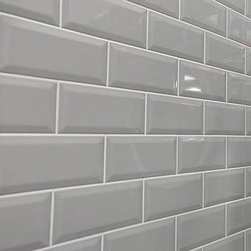 Metro Ceramic Kitchen Bathroom Wall Tiles Bevelled Edge Brick Effect 44 Tiles Gloss Finish 100mm X 200mm Light Grey Amazon Co Uk Diy Tools